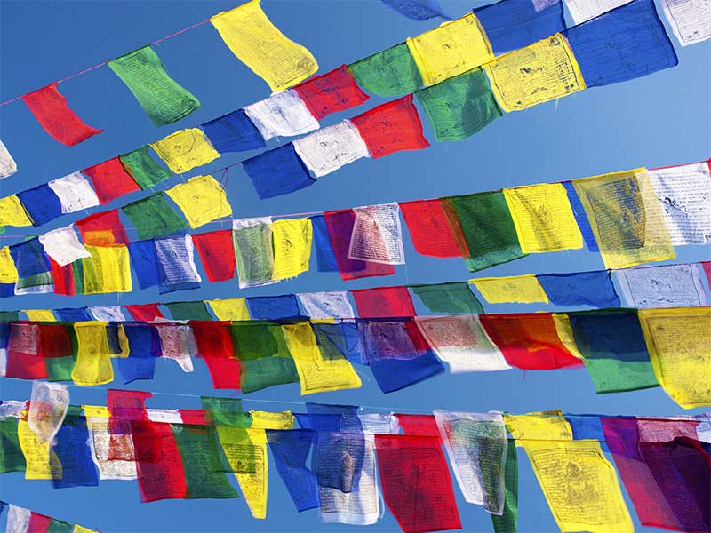 There is a rigid tactics in putting the prayer flags in a right order.