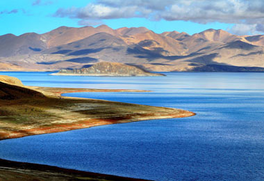 Lake Manasarovar is among the world's highest fresh-water lakes.