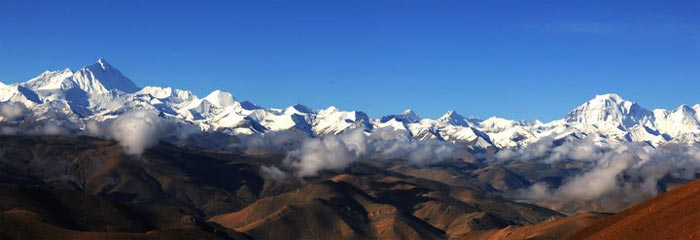 If the weather is good, you can have a glimpse of 4 mountains which are 8000m high or more.