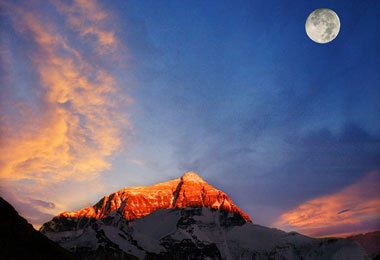 If the weather is good, you can shoot the magnificent Mt. Everest at sunset.