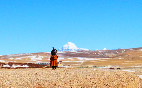 Mount Kailash or Mount Everest? Which One You Should Visit and What to Experience Respectively