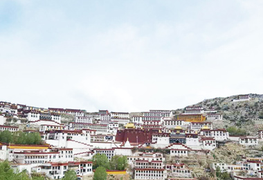 A panoramic view of Ganden monastery from a higher place