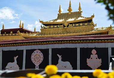 Johkang Temple --- the holiest place in Lhasa