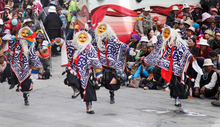 Enjoy Traditional Tibetan Opera in Norbulingka during Shoton Festival