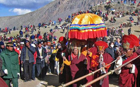 Best Time to See Religious Rituals in Tibet