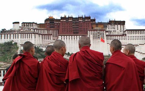 How to Be Respectful of the Buddhist Culture in Tibet