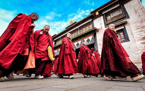 Top 4 Tibetan Buddhist Sects in Tibet