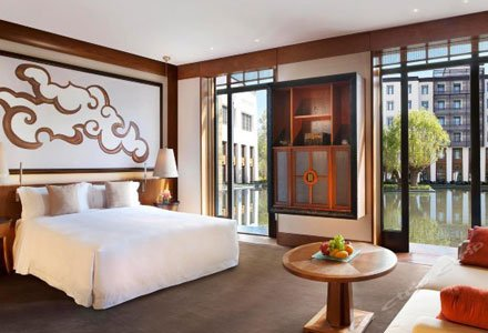 Luxury Suite in St. Regis Lhasa Resort