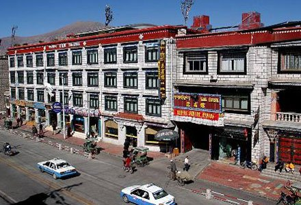Facade of Lhasa Yak Hotel