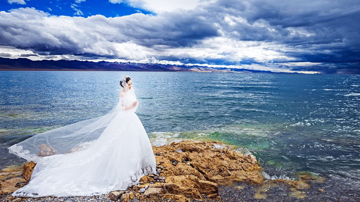 Wedding Photos Taken in Namtso Lake