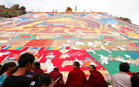 2017 Tibetan Shoton Festival Celebrated in Lhasa from August 21 to 27