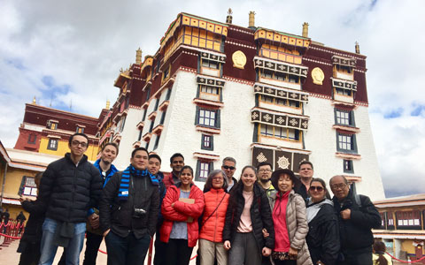 Tibet Vista's First Group Ended Smoothly with Great Memory in Nyingchi