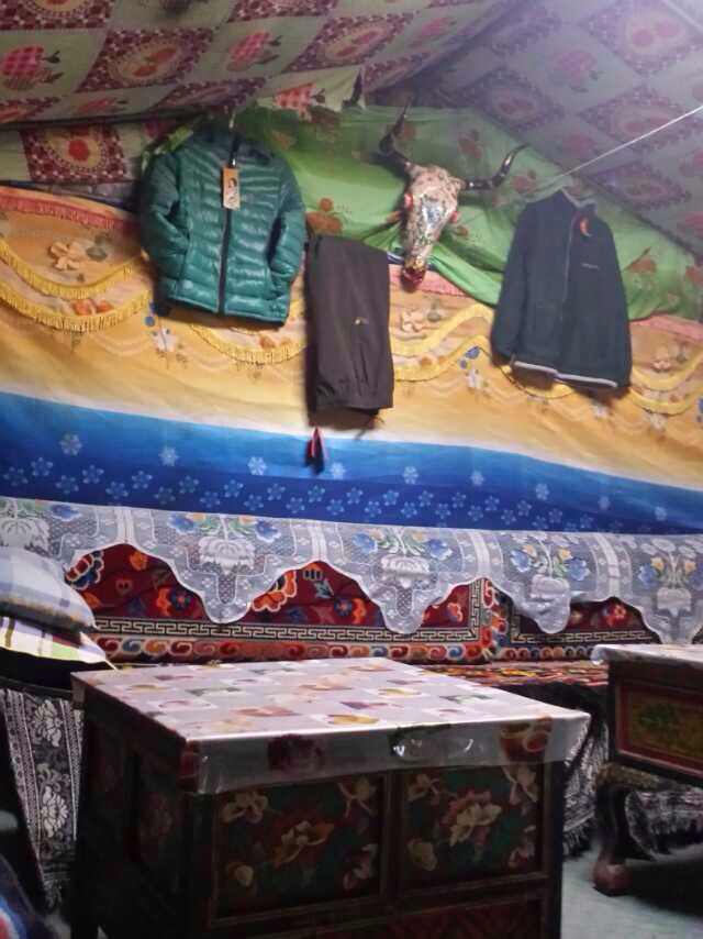 The guesthouse of Rongbuk Monastery.