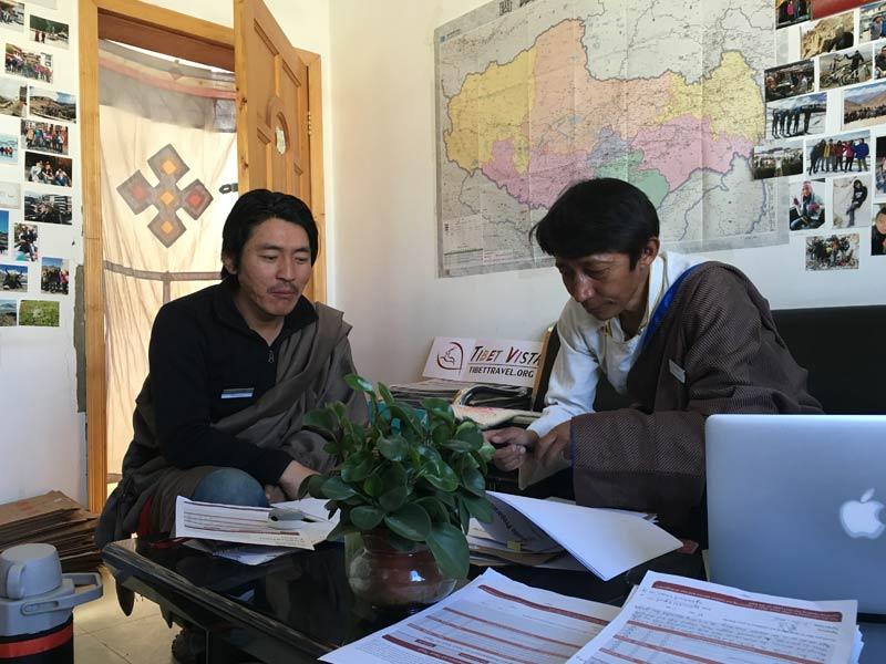 local Tibetan tour guide