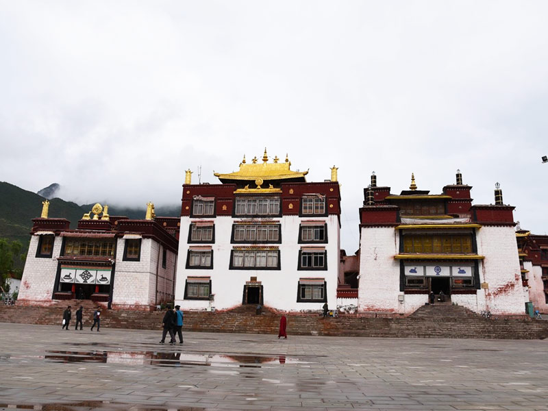 Jampaling Monastery is located at the junction of the two rivers