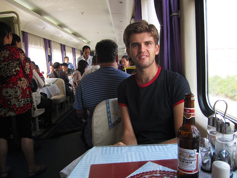 Taking Tibet train to Lhasa from Chengdu