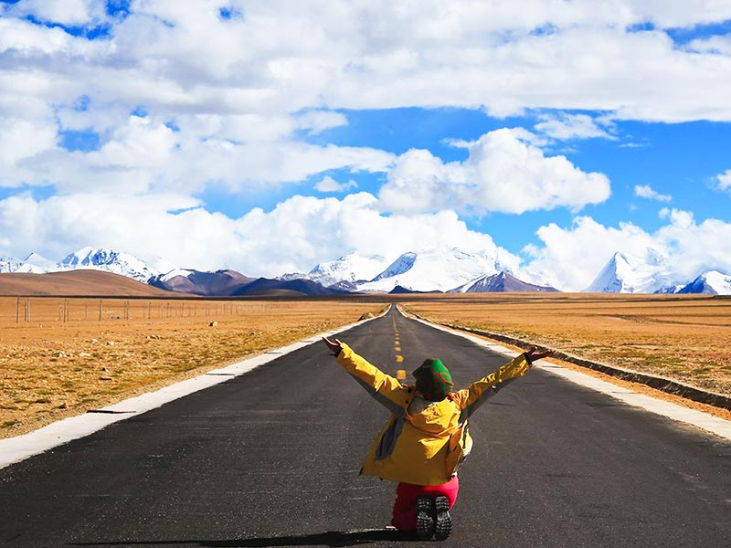 Travel overland to Lhasa via Sichuan Tibet Highway